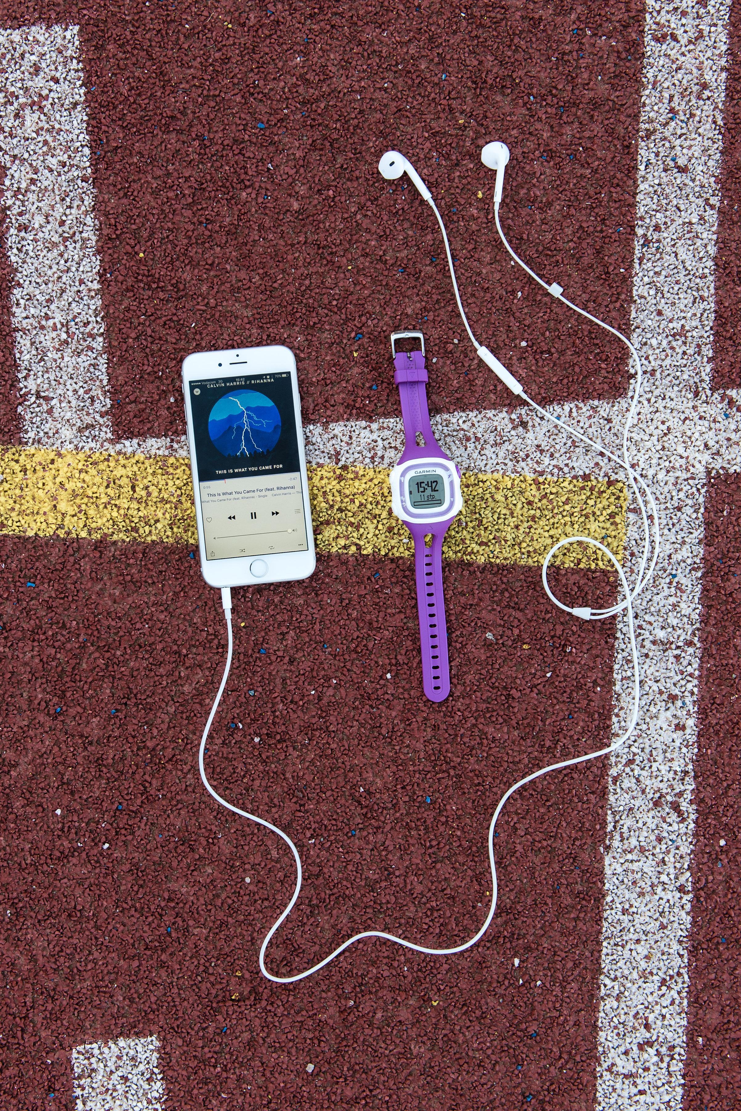 iPhone and Garmin Forerunner 15