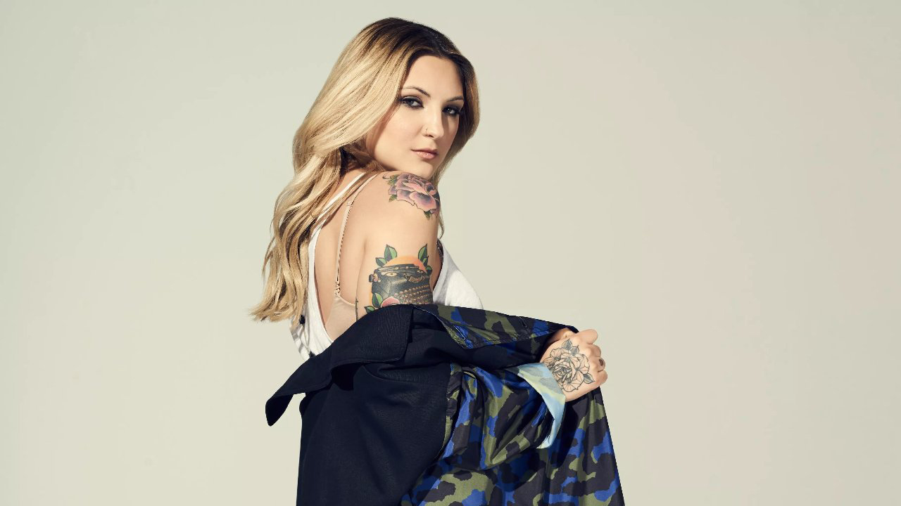 Music by Magpie • Julia Michaels the Girl Power of Pop Music