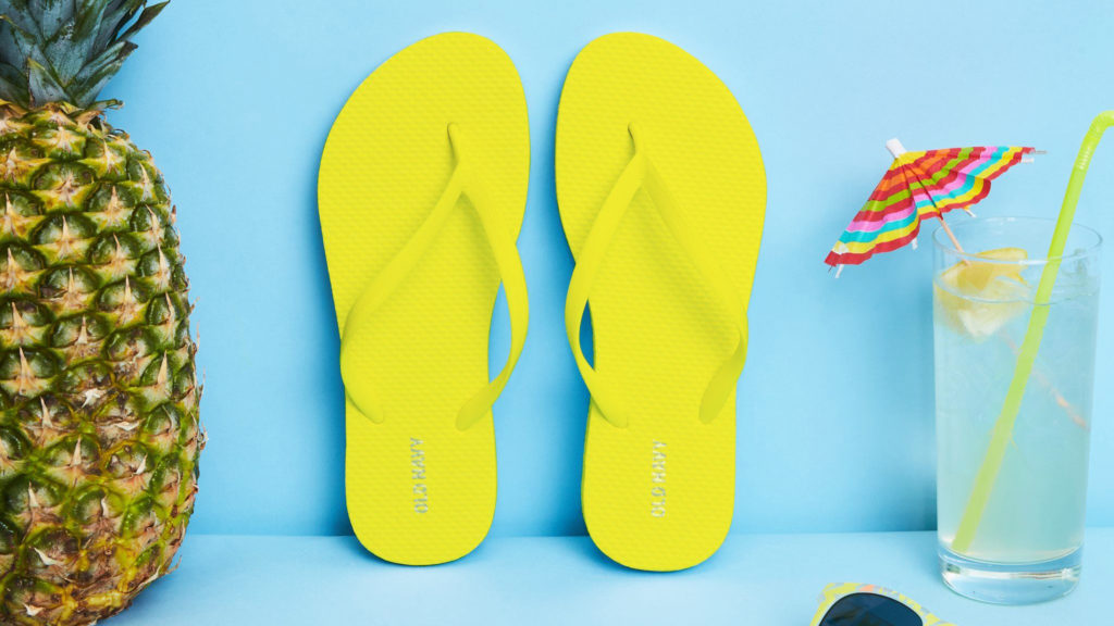 Tiffany's Tips • My Favourite Holiday Essentials Flip Flops