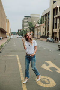 The white T-shirt • Anna Wintour TILONE by Tilone Viljoen - Kirstin Botha