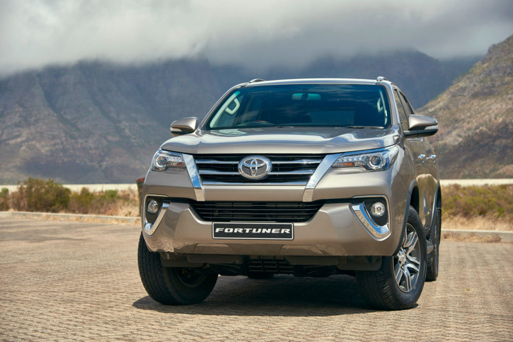 The most popular car colours in South Africa • 2018 Gold Toyota Fortuner