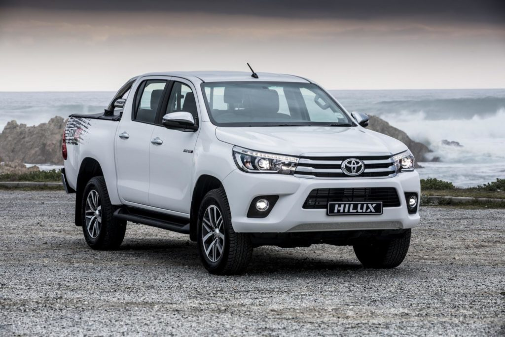 The most popular car colours in South Africa • White Toyota Hi-Lux 2018
