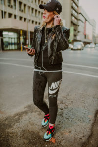 Smartgirl Street style • Chunky Sneakers
